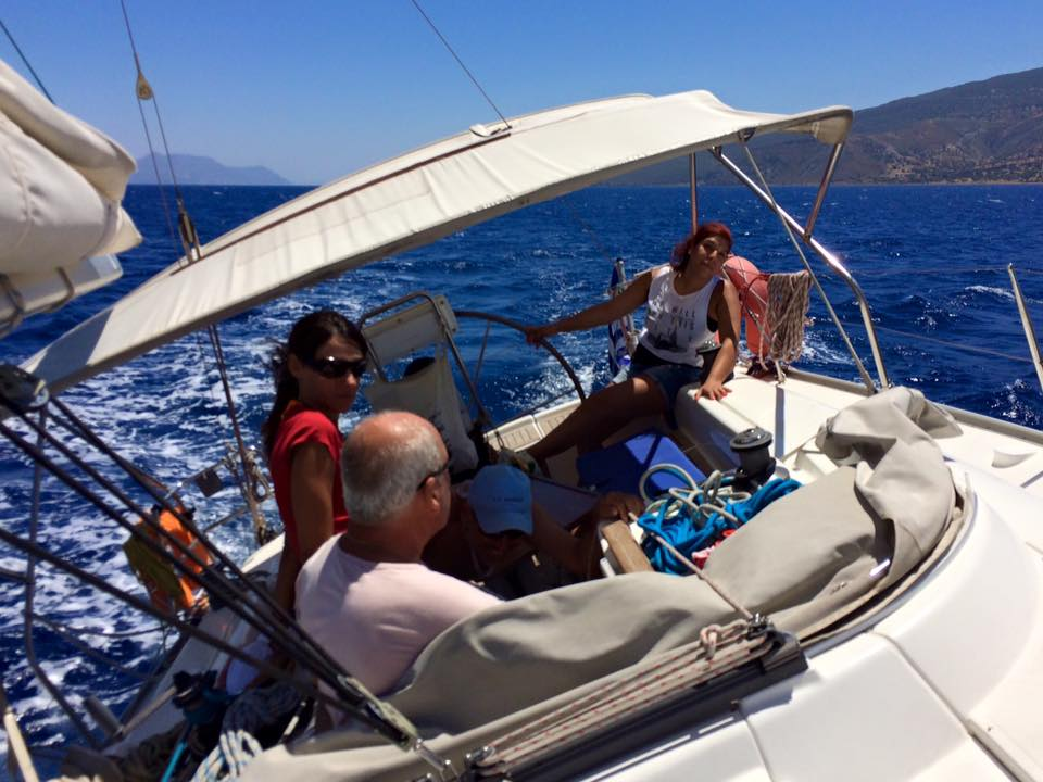 Dagje zeilen met je vrienden op Rhodos | One day sailing with your friends on Rhodes | Sail in Greece | sail-in-greece.net